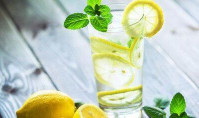 9 voordelen van Citroenwater